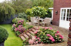 Кирпич в ландшафтном дизайне загородного дома