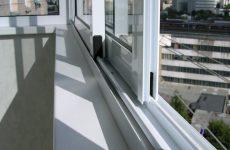Остекление балконов алюминиевыми конструкциями