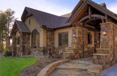Строительство загородного коттеджа из камня